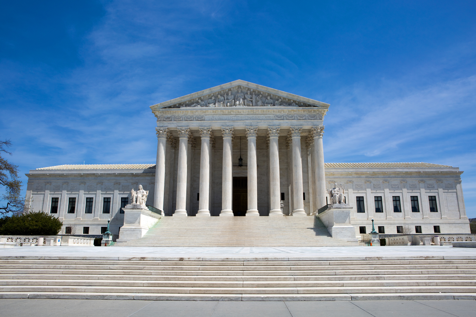 US Supreme Court Hears First Arguments of Term